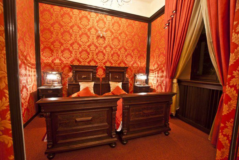 apartament rubinowy zamek uniejów