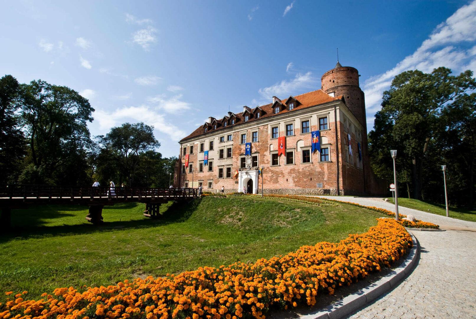 uniejów zamek
